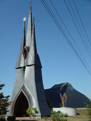 Paksi Szentlélek templom(PD) osbi https://en.wikipedia.org/wiki/File:Makoveczpaks.jpg