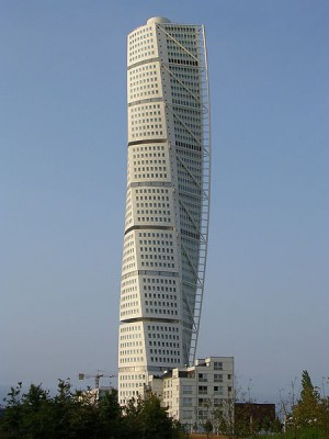 Turning Torso (CC) BY SA MrPandyGoff https://commons.wikimedia.org/wiki/File:Turning_Torso_2.jpg