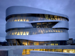 Mercedes Benz Museum Stuttgart (C) Christian Richters https://commons.wikimedia.org/wiki/File:Mercedes-UNStudio-01.jpg